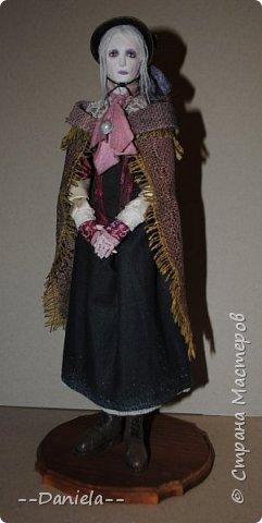Всем привет:) Доделала вот куколку, которую начала где-то полгода назад, может даже больше. Персонаж игры Bloodborne, наверное, самый милый ее персонаж...  фото 2