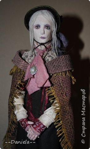 Всем привет:) Доделала вот куколку, которую начала где-то полгода назад, может даже больше. Персонаж игры Bloodborne, наверное, самый милый ее персонаж...  фото 7