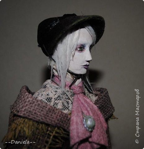 Всем привет:) Доделала вот куколку, которую начала где-то полгода назад, может даже больше. Персонаж игры Bloodborne, наверное, самый милый ее персонаж...  фото 9