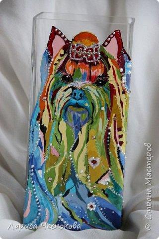 314302_erixucwpuqe Вазы из стеклянных бутылок: декор, роспись и обрезка