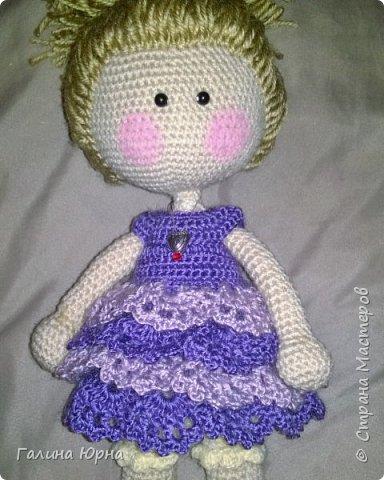Куколка каркасная связана на заказ. Голова поворачивается, руки/ноги гнутся. Рост куколки без учета волос 29 см. Снимается только платье. фото 2