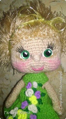 Куколки получаются ростом 24-26 см. Внутри проволочный каркас. Это Катя) она осталась жить у нас дома, дочка не захотела ее отдавать. фото 1