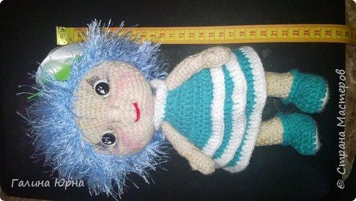 Куколки получаются ростом 24-26 см. Внутри проволочный каркас. Это Катя) она осталась жить у нас дома, дочка не захотела ее отдавать. фото 13