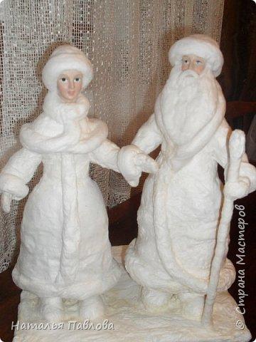 Вернуться в детство невозможно, но прикоснутся можно, создавая  вот таких классических Деда Мороза и его внучку , подобные которым были почти в каждой семье фото 7