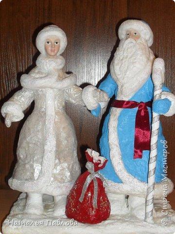 Вернуться в детство невозможно, но прикоснутся можно, создавая  вот таких классических Деда Мороза и его внучку , подобные которым были почти в каждой семье фото 9