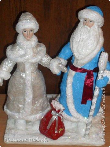 Вернуться в детство невозможно, но прикоснутся можно, создавая  вот таких классических Деда Мороза и его внучку , подобные которым были почти в каждой семье фото 1