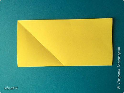 Вот таких курочек можно сделать к Пасхе с детьми. За основу взяла готовый способ складывания оригами, но добавила свое. Эту курочку смогут сделать даже дети 4-5 лет, делается очень просто.  фото 3