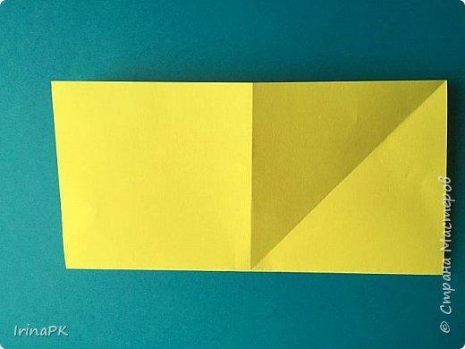 Вот таких курочек можно сделать к Пасхе с детьми. За основу взяла готовый способ складывания оригами, но добавила свое. Эту курочку смогут сделать даже дети 4-5 лет, делается очень просто.  фото 4