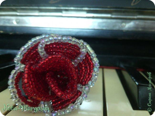 Роза в технике бисероплетение фото 2