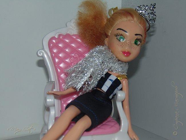 """Здравствуйте, дорогие кукольницы!  Недавно сделала ООАК на куклу Братц Хлою. К сожалению фото """"ДО"""" сделать забыла, так что если кому интересно можете найти фотографию куклы в интернете. ООАК делала неделю назад, а также в процессе подстригла волосы и немного подкрасила корни бордовым цветом. фото 6"""