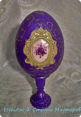 """Добрый вечер,Страна! Представляю вашему вниманию небольшую коллекцию сувенирных яиц. Это назвала """"А ля Фаберже"""".Захотелось """"поиграть"""" с моделирующей пастой прозрачной,золотом и стразами. фото 2"""