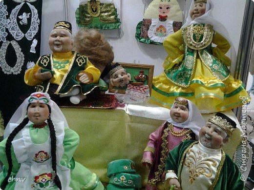 В марте в нашем городе  прошла 5 международная выставка-ярмарка народных промыслов и ремесел.Я  третий год посещаю эту ярмарку.Покажу немного фотографий.Валяные тапочки-такие красивые и очень теплые. фото 14