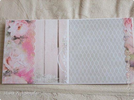 Здравствуйте, дорогие жители Страны мастеров. Хочу показать вам открытку с кружевом. В ней я впервые использовала микробиссер. Не знаю насколько это оправдано, но давно хотела попробовать с ним работать. Средняя часть открытки приподнята на пивной картон. фото 3