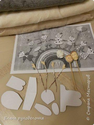 Очень давно я мечтала сделать теддидоликов, но я не знала как слепить им личики. После знакомства с ватной игрушкой (благодаря Оле http://stranamasterov.ru/user/390706 ) у меня проблема с личиками отпала. С новогодних праздников остались заготовки, вот из них я и решила сделать пасхальных кроликов. фото 2