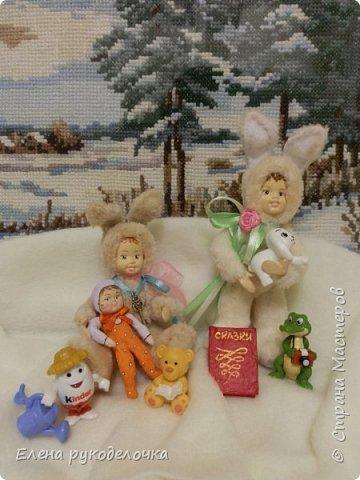 Очень давно я мечтала сделать теддидоликов, но я не знала как слепить им личики. После знакомства с ватной игрушкой (благодаря Оле http://stranamasterov.ru/user/390706 ) у меня проблема с личиками отпала. С новогодних праздников остались заготовки, вот из них я и решила сделать пасхальных кроликов. фото 4