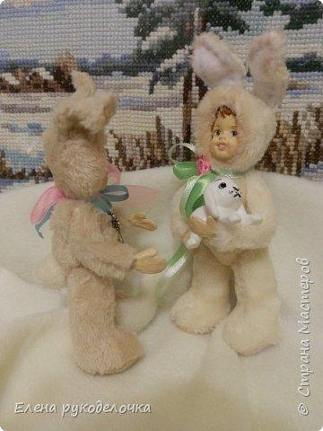 Очень давно я мечтала сделать теддидоликов, но я не знала как слепить им личики. После знакомства с ватной игрушкой (благодаря Оле http://stranamasterov.ru/user/390706 ) у меня проблема с личиками отпала. С новогодних праздников остались заготовки, вот из них я и решила сделать пасхальных кроликов. фото 5