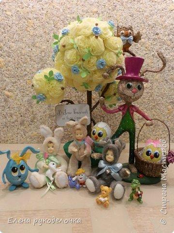 Очень давно я мечтала сделать теддидоликов, но я не знала как слепить им личики. После знакомства с ватной игрушкой (благодаря Оле http://stranamasterov.ru/user/390706 ) у меня проблема с личиками отпала. С новогодних праздников остались заготовки, вот из них я и решила сделать пасхальных кроликов. фото 11