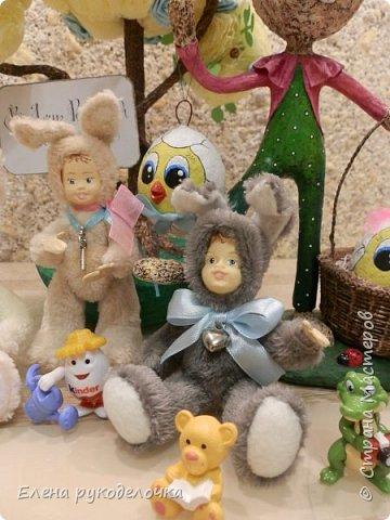 Очень давно я мечтала сделать теддидоликов, но я не знала как слепить им личики. После знакомства с ватной игрушкой (благодаря Оле http://stranamasterov.ru/user/390706 ) у меня проблема с личиками отпала. С новогодних праздников остались заготовки, вот из них я и решила сделать пасхальных кроликов. фото 12