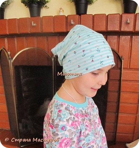 Из остатков трикотажа от лонга решено было сшить модную сейчас шапочку-бини. Она замечательно сидит на голове и смотрится отлично! фото 3