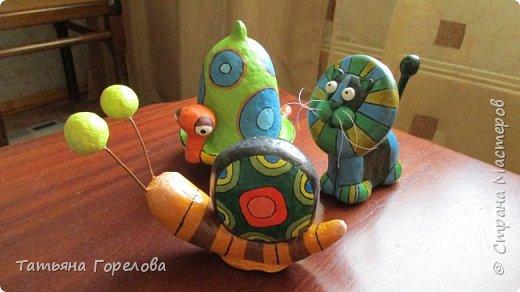 Это одни из первых моих работ из массы папье-маше. Они выполнены по работам одного Чилийского художника из Сантьяго. Была попытка ранее их выставить, однако по некоторым причинам не получилось. Меня поразили краски, формы, такой необычный подход к решению идеи. Заманчиво!!! фото 1