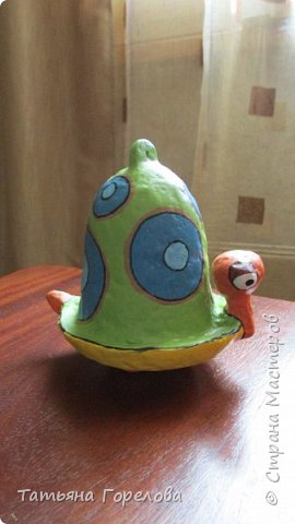 Это одни из первых моих работ из массы папье-маше. Они выполнены по работам одного Чилийского художника из Сантьяго. Была попытка ранее их выставить, однако по некоторым причинам не получилось. Меня поразили краски, формы, такой необычный подход к решению идеи. Заманчиво!!! фото 2