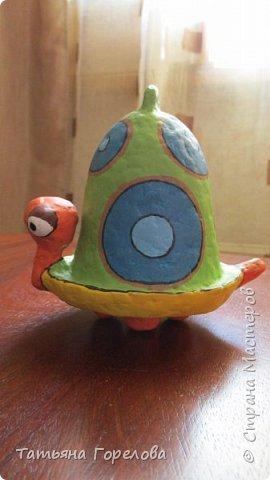 Это одни из первых моих работ из массы папье-маше. Они выполнены по работам одного Чилийского художника из Сантьяго. Была попытка ранее их выставить, однако по некоторым причинам не получилось. Меня поразили краски, формы, такой необычный подход к решению идеи. Заманчиво!!! фото 5