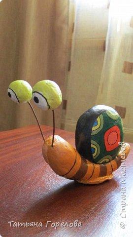 Это одни из первых моих работ из массы папье-маше. Они выполнены по работам одного Чилийского художника из Сантьяго. Была попытка ранее их выставить, однако по некоторым причинам не получилось. Меня поразили краски, формы, такой необычный подход к решению идеи. Заманчиво!!! фото 10