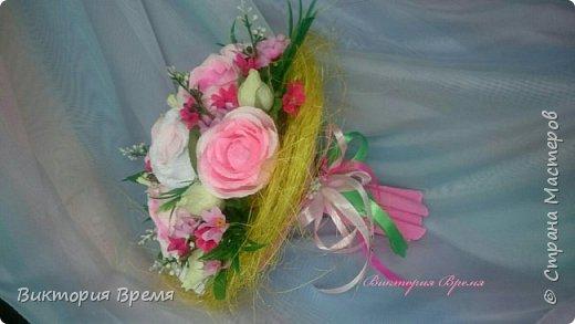 """Я влюбилась в этот букет! Честно -честно!!! Долго думала чем разбавить розы, и взгляд упал на маленькие ярко-розовые цветочки, давно они ждали этого момента.Не ожидала что букет так преобразится! Любите и жалуйте! """"Ярких моментов в жизни много!... День рождения у мамы один!!!""""  фото 3"""