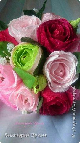 """Нежный букет из конфет. Люблю такое сочетание цветов! Бордовый в сочетании с розовым вызывает ассоциации с изяществом и нежностью.   В сладком наполнении: конфеты """"Эли """", """"Мишки в лесу"""" .  фото 2"""