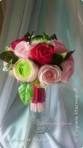 """Нежный букет из конфет. Люблю такое сочетание цветов! Бордовый в сочетании с розовым вызывает ассоциации с изяществом и нежностью.   В сладком наполнении: конфеты """"Эли """", """"Мишки в лесу"""" ."""