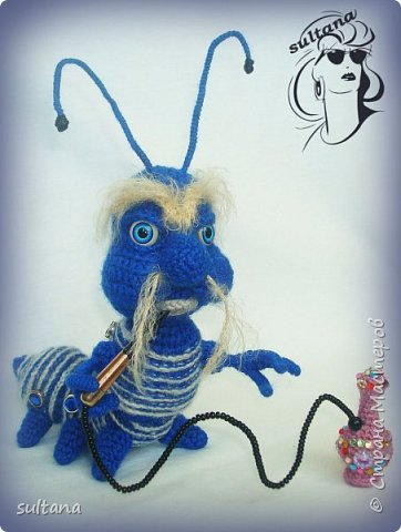 Знакомьтесь гусениц Пашка. В теле проволочный каркас. фото 2