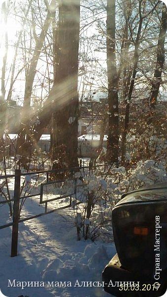 Весна в этом году у нас в Воронеже началась рано.Не смотря на снежную зиму всё быстро потаяло. Мы уже радовались тёплому солнышку!И тут опять пошёл снег!Да не просто снег, а целая метель началась!Это было 30го марта.Немного пофоткала по дороге на работу. фото 11