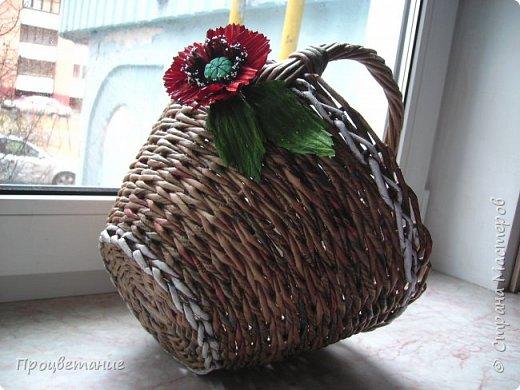 Эта парочка корзин для одной хозяйки в подарок. Украсила цветами: мак - из бумаги, ромашка - из ткани. фото 2