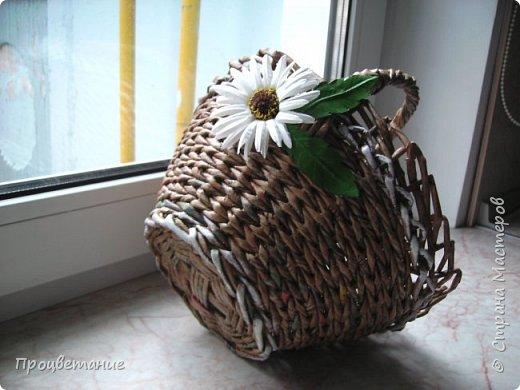 Эта парочка корзин для одной хозяйки в подарок. Украсила цветами: мак - из бумаги, ромашка - из ткани. фото 3
