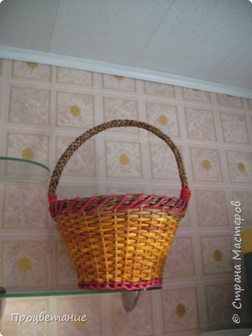 Эта парочка корзин для одной хозяйки в подарок. Украсила цветами: мак - из бумаги, ромашка - из ткани. фото 4