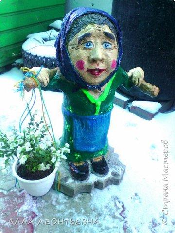НУ НИКАК ЕЩЁ  мои старички в огород встать не могут...апрель---а снега навалило!!!!... фото 3
