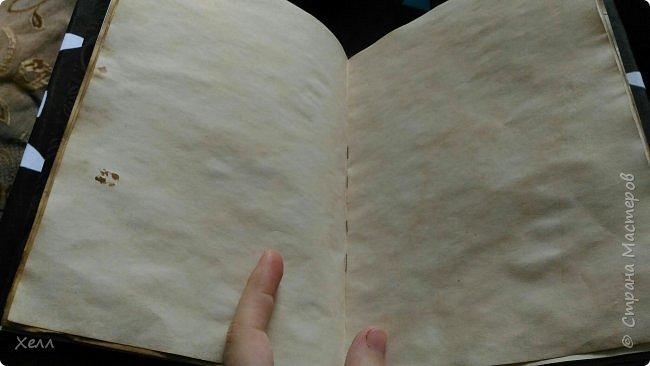 В подарок другу был сделан такой вот блокнотик.  Формат - А5,  на 50 листов, все листы старились вручную фото 5