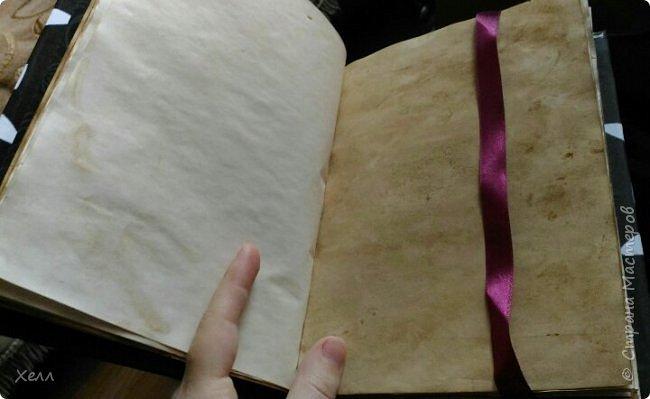 В подарок другу был сделан такой вот блокнотик.  Формат - А5,  на 50 листов, все листы старились вручную фото 6