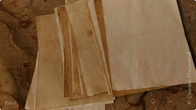 В подарок другу был сделан такой вот блокнотик.  Формат - А5,  на 50 листов, все листы старились вручную фото 2