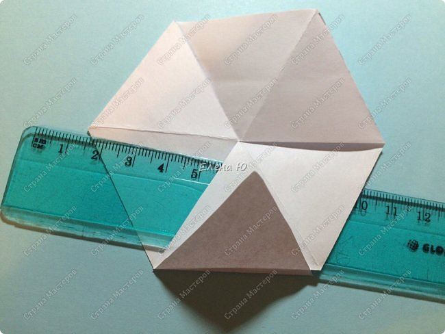 Предлагаю сделать забавную и совсем несложную  безделушку (головоломку)  - флексагон. Флексагоны — плоские модели из полосок бумаги, способные складываться и сгибаться определённым образом.  фото 15