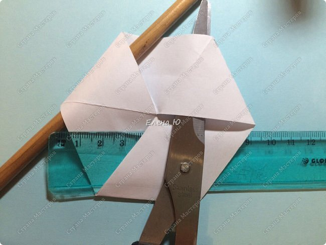 Предлагаю сделать забавную и совсем несложную  безделушку (головоломку)  - флексагон. Флексагоны — плоские модели из полосок бумаги, способные складываться и сгибаться определённым образом.  фото 17