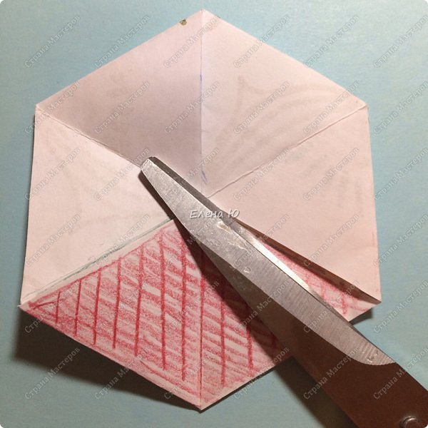Предлагаю сделать забавную и совсем несложную  безделушку (головоломку)  - флексагон. Флексагоны — плоские модели из полосок бумаги, способные складываться и сгибаться определённым образом.  фото 31