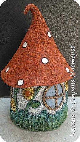 Добрый день!! очередной домик грибок - что то потянуло меня в детство и сказку) общая высота 23 см, диаметр по краям шляпки 14 см фото 11
