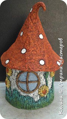 Добрый день!! очередной домик грибок - что то потянуло меня в детство и сказку) общая высота 23 см, диаметр по краям шляпки 14 см фото 8