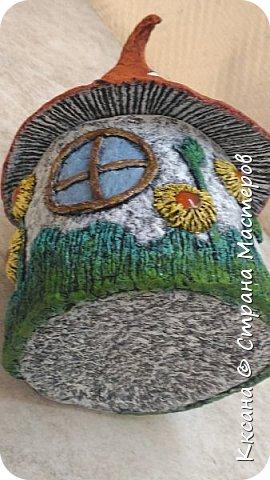Добрый день!! очередной домик грибок - что то потянуло меня в детство и сказку) общая высота 23 см, диаметр по краям шляпки 14 см фото 5
