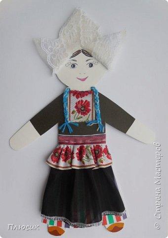 Знакомьтесь, это девочка из Нидерландов, из провинции Волендам. Зовут её Элке))) фото 1