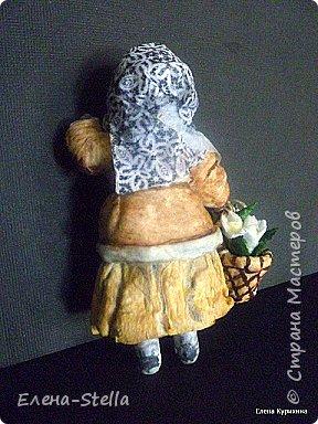 Мой вариант главной героини из сказки 12 Месяцев - вата - 12.5 см. Вот идет она по лесу и удивляется. Вот Весна и подснежники, а теперь  солнце летнее, ягоды везде, а вот все деревья пожелтели и белые мухи летя  А для крестьянина - работа круглый год. А доброму и природа помогает. Ему любая погода хороша!  Техника сухой ваты (вата + крахмал). Платочек декорирован Итальянской рисовой бумагой. Акварель  фото 5