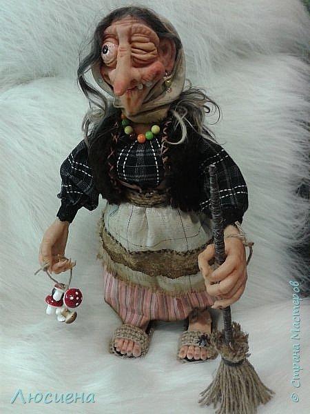 Интерьерная кукла ручной работы(запекаемая пластика и скульптурный текстиль) Бабка Ежка фото 1