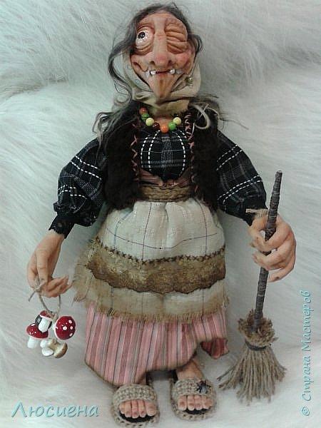 Интерьерная кукла ручной работы(запекаемая пластика и скульптурный текстиль) Бабка Ежка фото 2