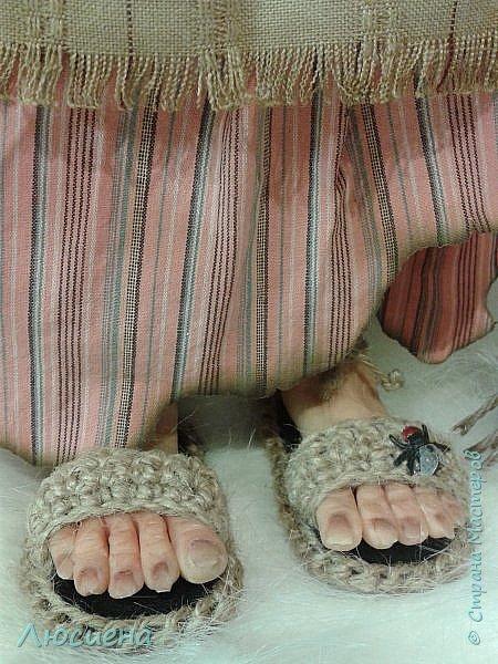 Интерьерная кукла ручной работы(запекаемая пластика и скульптурный текстиль) Бабка Ежка фото 3